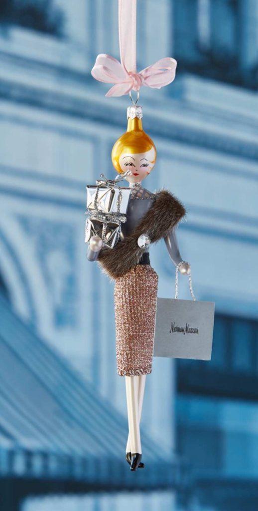 #InvestmentPiece #fashiongivesback #neimanmarcus